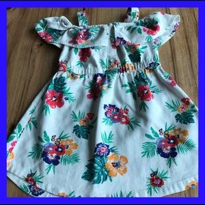 Old Navy sleeveless dress with front ruffles. 3T